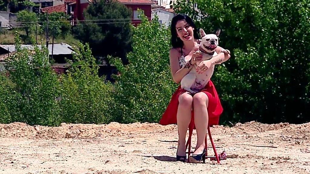 Nerea es muy exigente y busca pareja para su perrita Shacha, en 'Amores perros'
