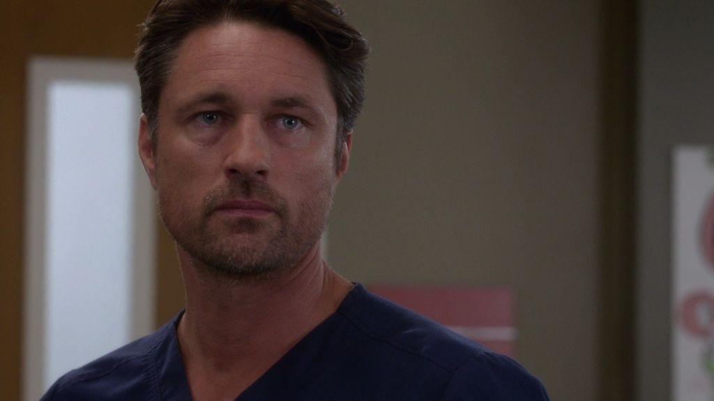 """Nathan, a Meredith: """"Yo no te pregunto por tu marido muerto"""""""