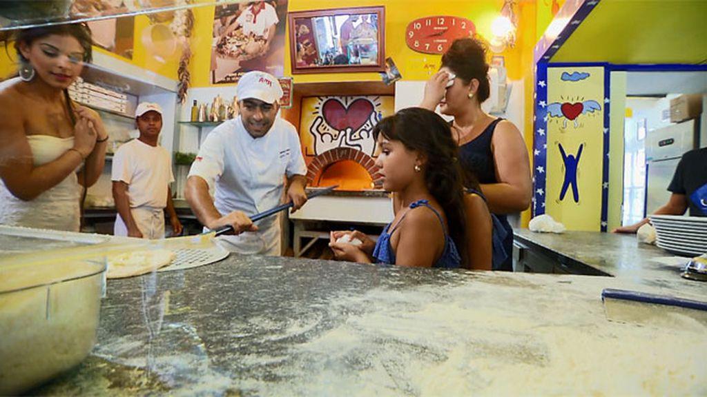 Los Jiménez lo tienen claro: donde esté una pizza española, que se quiten las de Italia