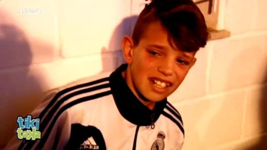 El Málaga expulsa a un niño por saltar al campo pero Ronaldo le hace feliz