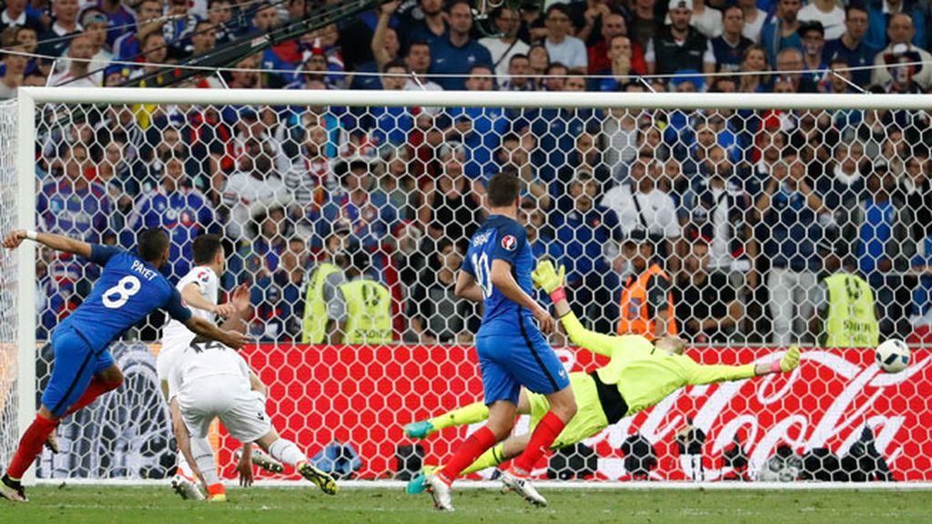 Recorte y derechazo de Payet para sentenciar el partido ante Albania (2-0)
