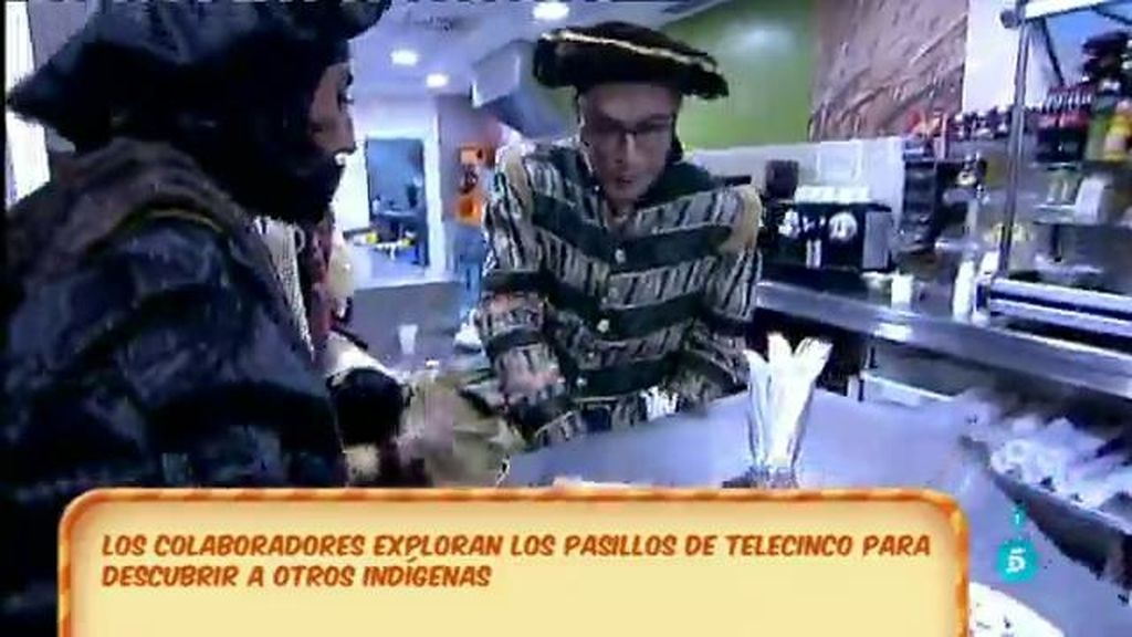 Los colaboradores salen a conquistar los pasillos de Telecinco y... ¡asaltan la cafetería!
