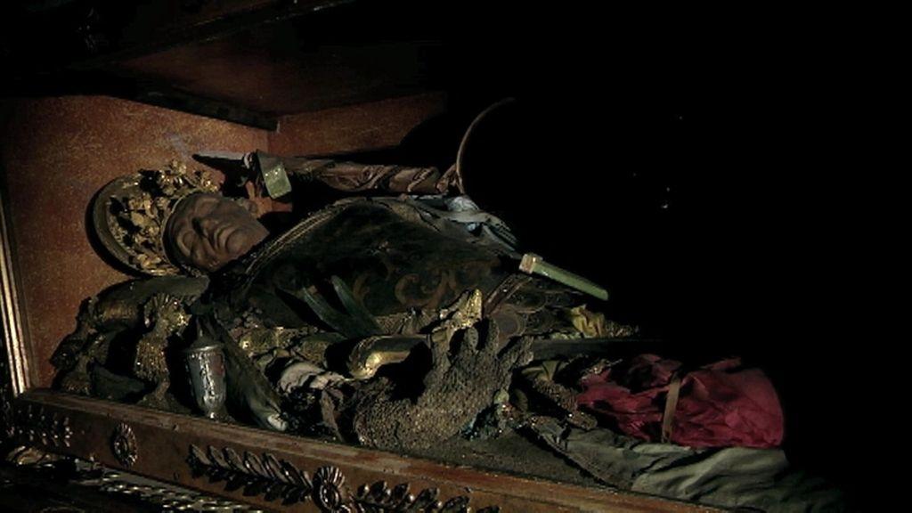 La momia de San Campio cura a los enfermos y exorciza a los endemoniados