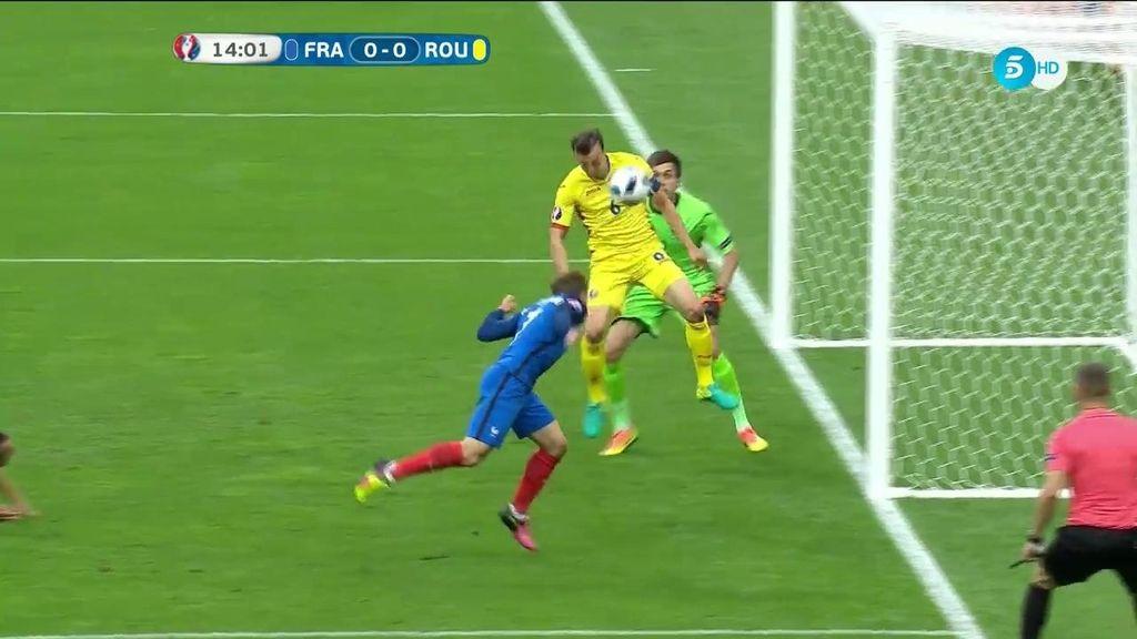 Griezmann manda al palo la ocasión más clara de Francia ante Rumanía