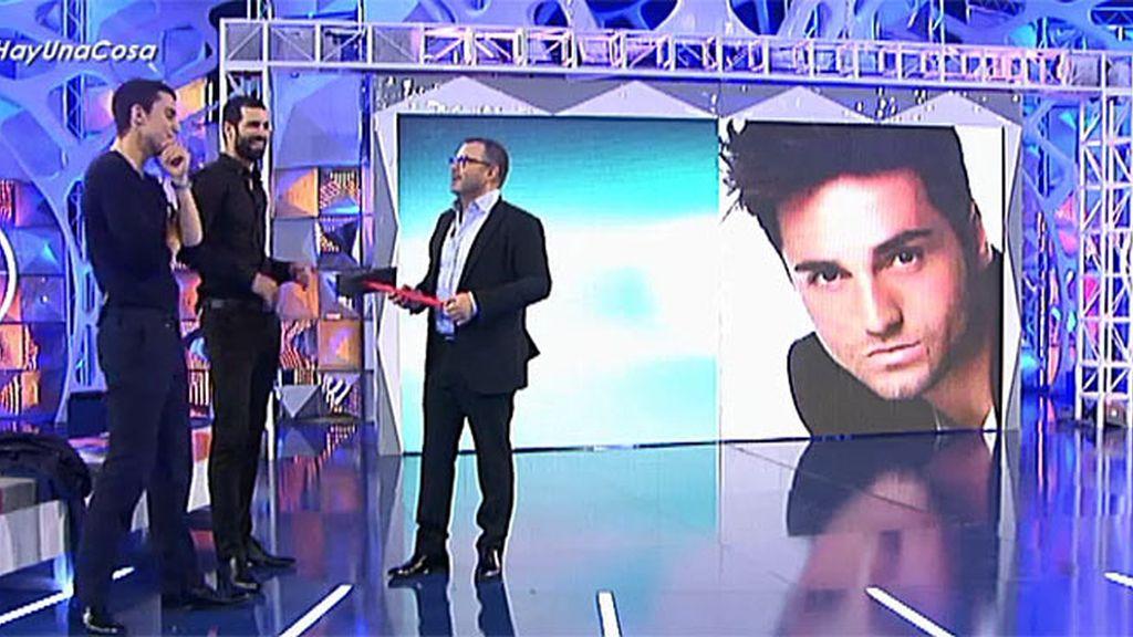 Jorge Javier juega con Álex González y Rubén Cortada