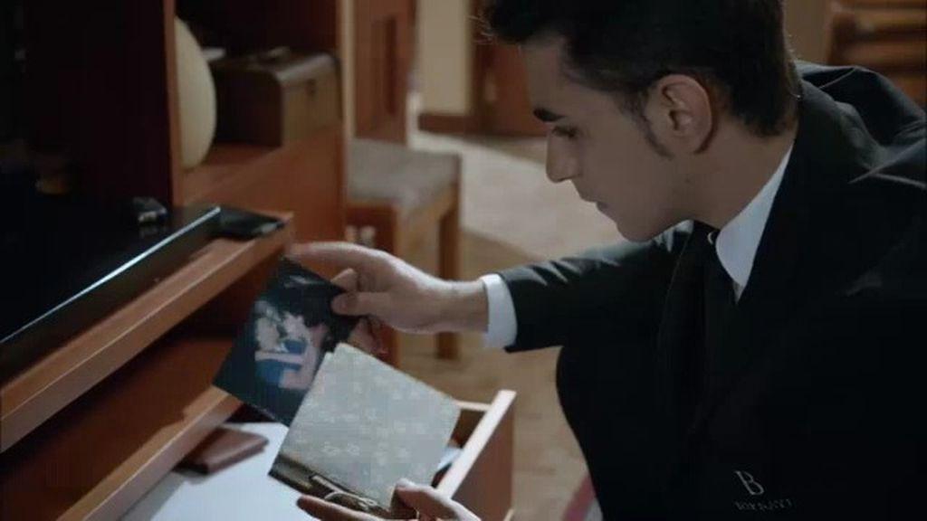¿Sorpresa desagradable para Hugo?: Descubre una foto de su madre y ¡Bornay!