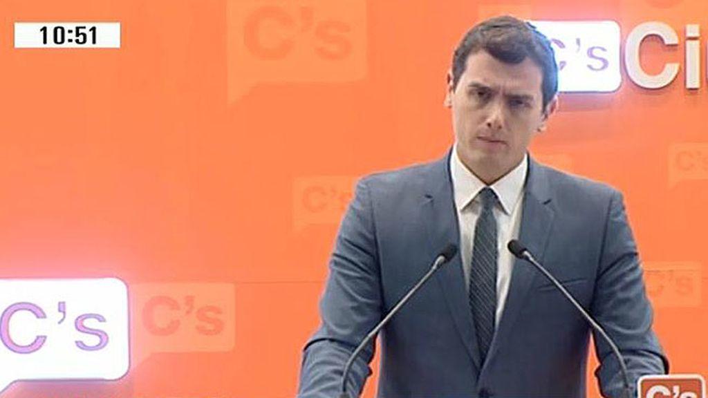 """Albert Rivera: """"Ciudadanos quiere proponer a PP y a PSOE un pacto por España y una mesa de negociación a tres bandas"""""""