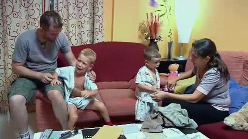 Las pataletas de los niños y la boda, calientan los ánimos de Laura y Miguel