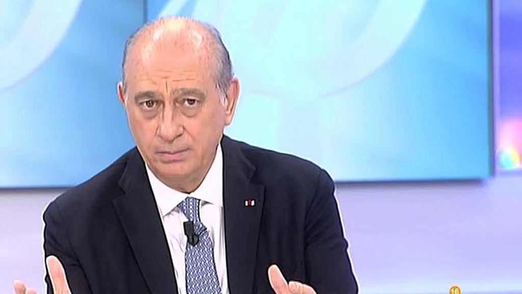 """Fernández Díaz: """"No hay motivo para el pánico"""""""