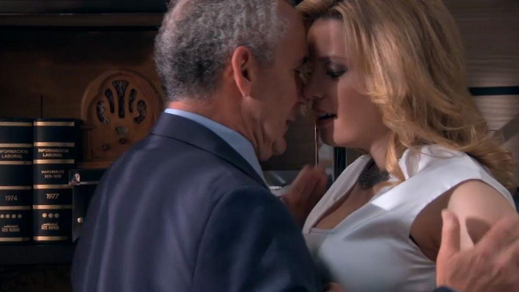 Covadonga y Don Pablo…a punto de besarse