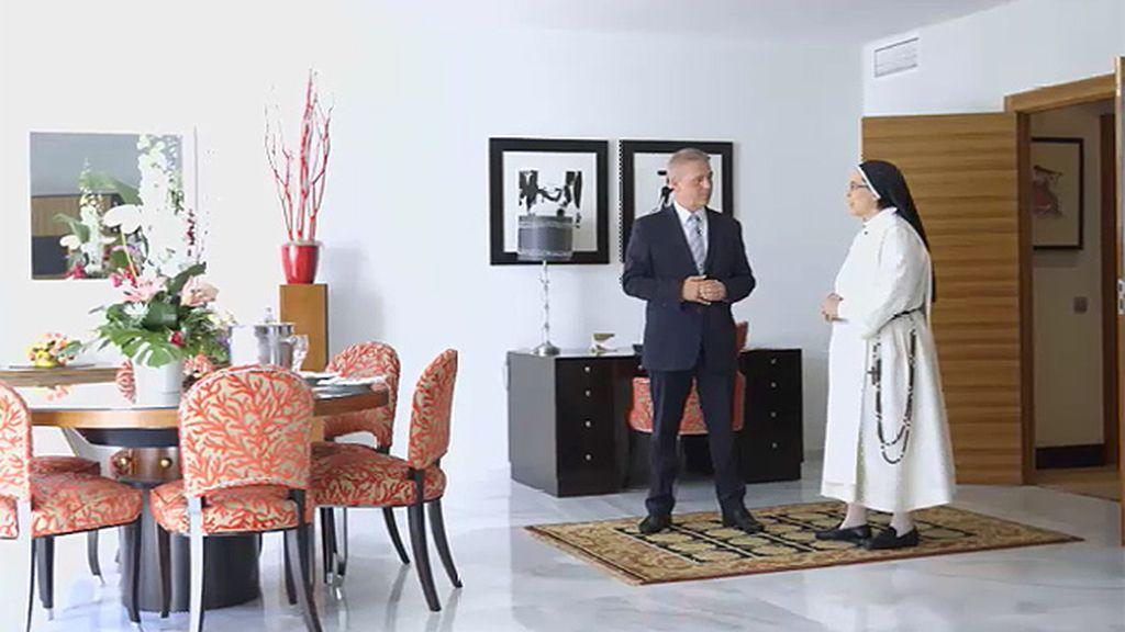 Sor Lucía visita una suite en la que se alojó Michael Jackson