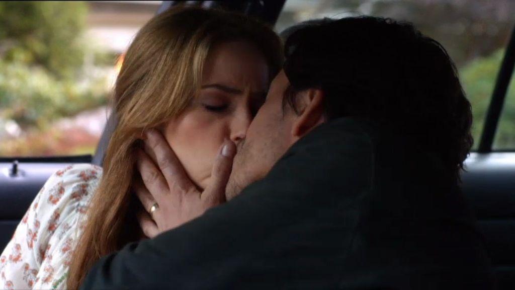 Katrina y el agente James Ramos se besan apasionadamente
