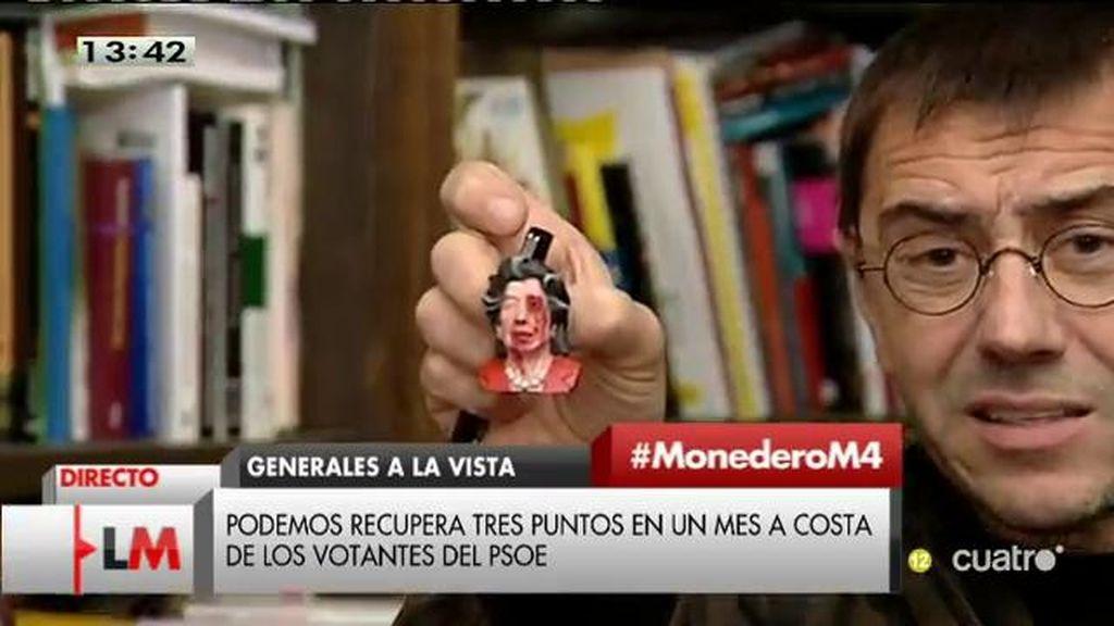 """Monedero muestra un muñeco zombie de Barberá: """"Da profundo miedo"""""""