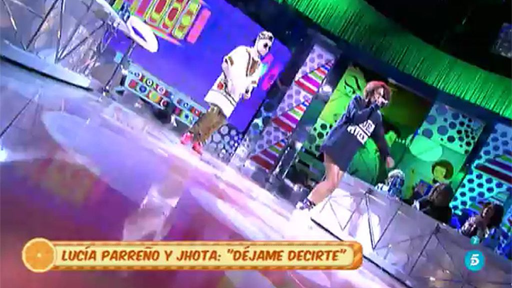 Lucía Parreño y Jhota cantan en 'Sálvame' 'Déjame decirte'
