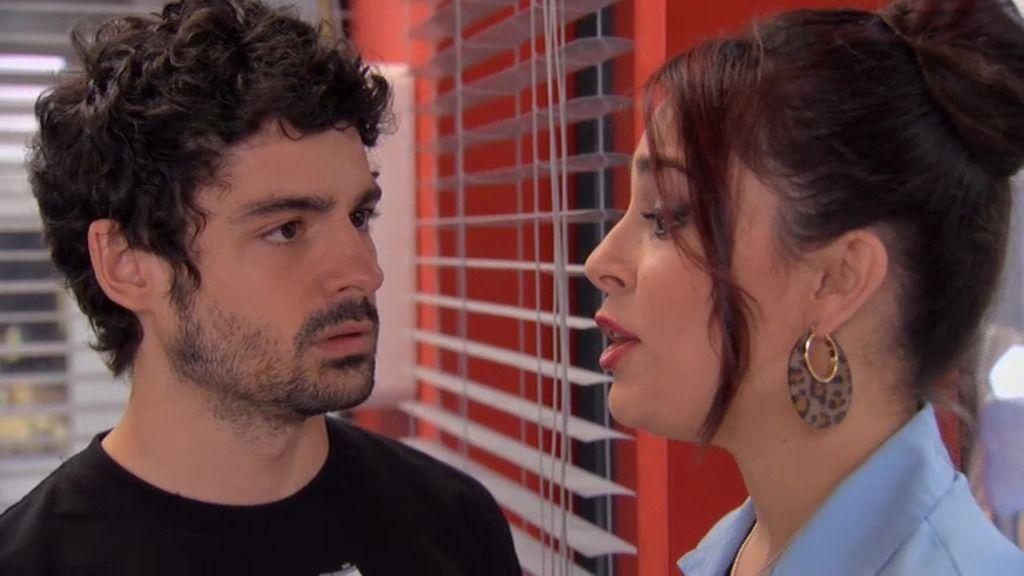 """Vane deja Simón: """"Eres un obstáculo en mi carrera de cantante"""""""