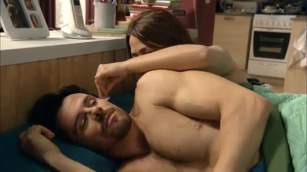 Lucía sueña con Carlos, el hombre de su vida