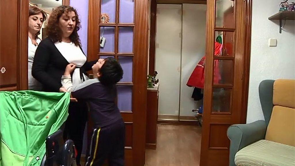 Juani ignora el mal comportamiento de Miguel que finalmente se da por vencido