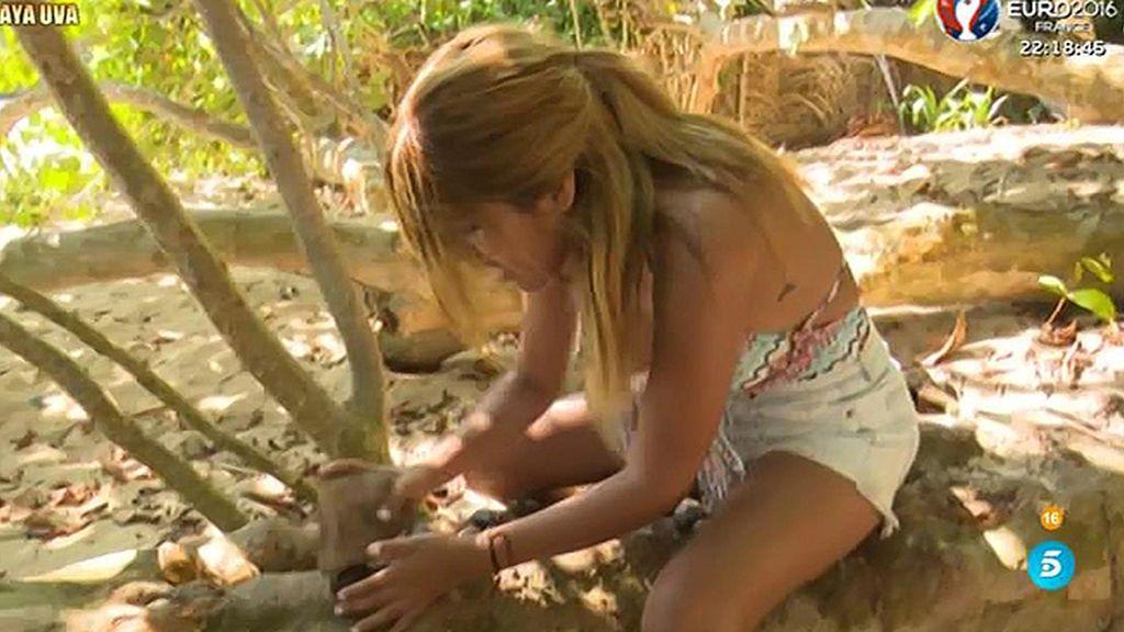 Isa Pantoja se reencuentra con su árbol