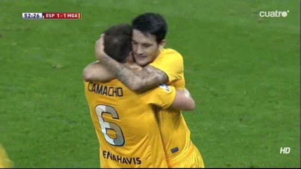 Camacho empató el partido para el Málaga con un cabezazo inapelable