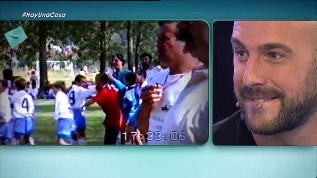 Pepe Reina se emociona viendo imágenes inéditas de su equipo infantil