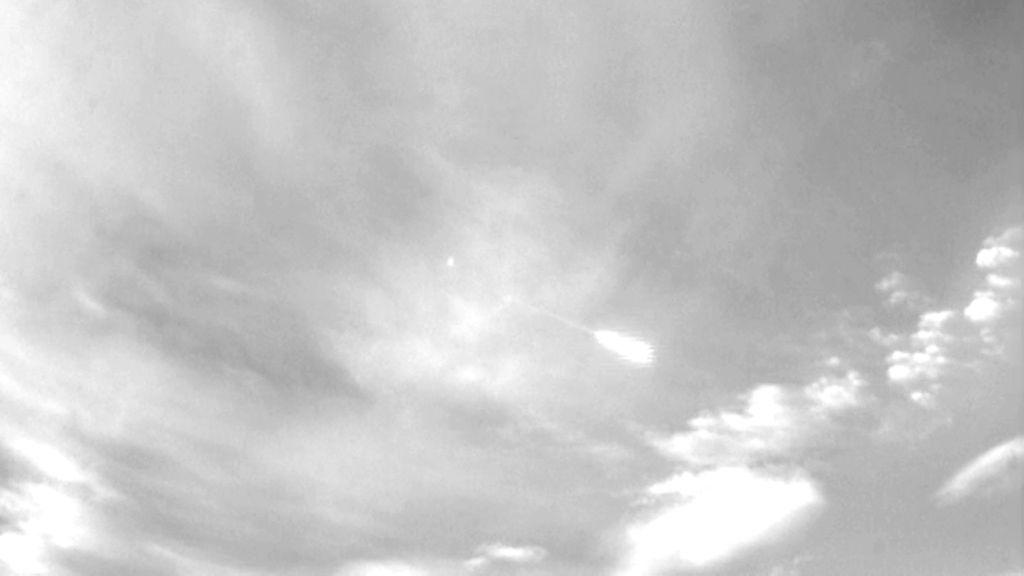 Una bola de fuego en el cielo provoca fenómenos anómalos en una población
