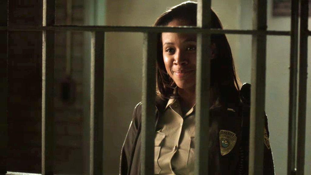"""Crane, a la agente Mills: """"¿Ha sido emancipada de la esclavitud?"""""""