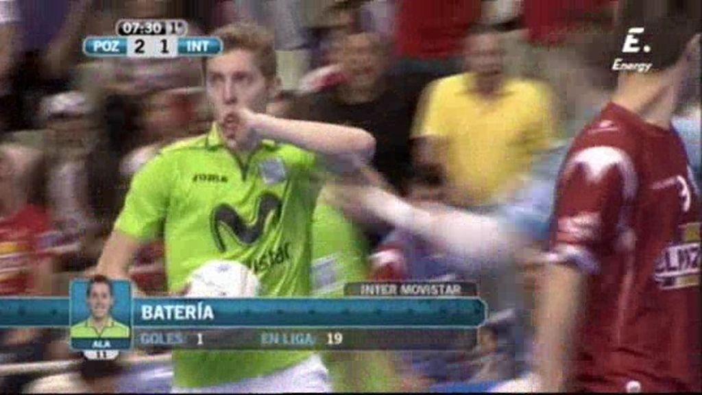 Batería no falla el doble penalti y recorta para Inter Movistar (2-1)