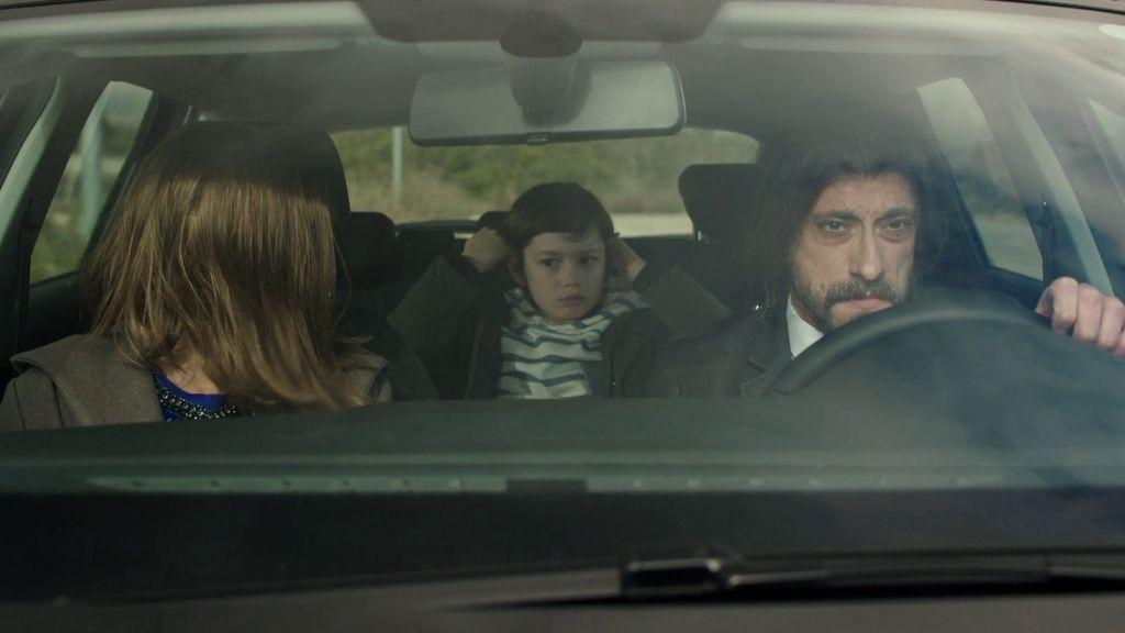 Silvia, Crespo y el pequeño Daniel se preparan para atravesar la frontera