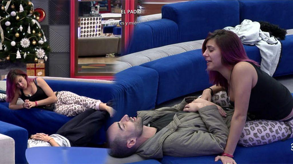 """Bea pide a Miguel y a Rodri un masaje en la cara con su mejor inglés: """"I nees it massage"""""""