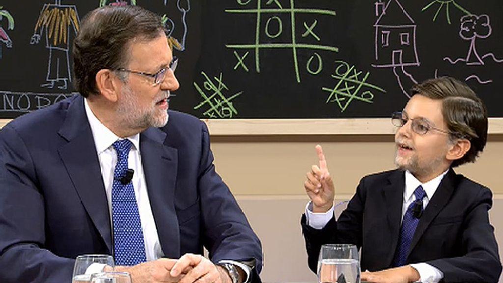 """Mini-Mariano pide a Rajoy que no suba el precio de las chuches: """"No va a subir, es más, va a bajar"""""""