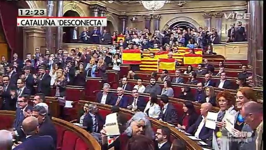 El parlamento catalán aprueba la desconexión con España