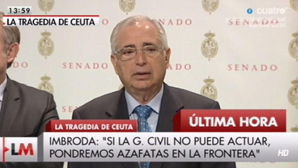 """Imbroda: """"Si la Guardia Civil no puede actuar pondremos azafatas en la frontera"""""""