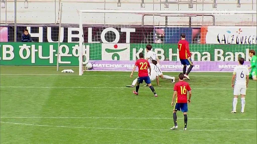 Nolito firma el quinto gol en un partido diseñado para convencer a Del Bosque