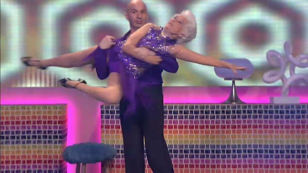 La 'abuela voladora' baila salsa acrobática en el plató de 'Hable con ellas'