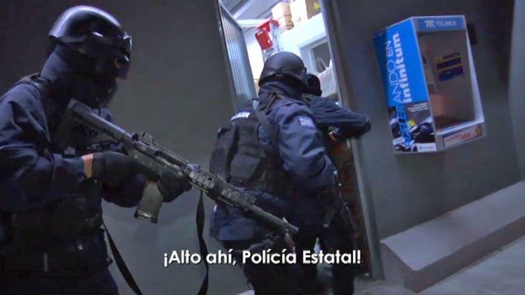 Cinco patrullas circulan en la peligrosa noche de Michoacán