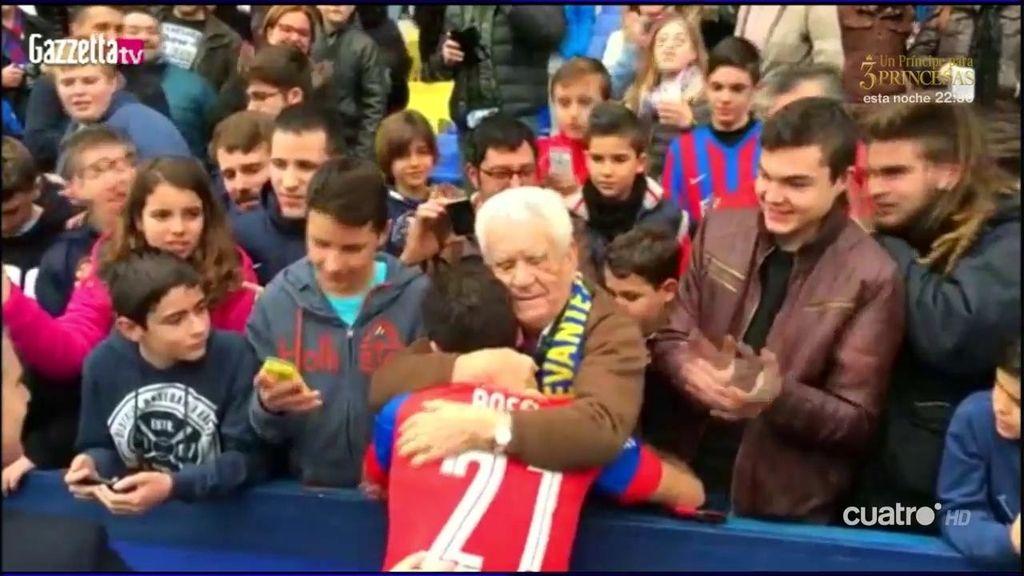 El mensaje más tierno de un abuelo del Levante a Rossi en su presentación