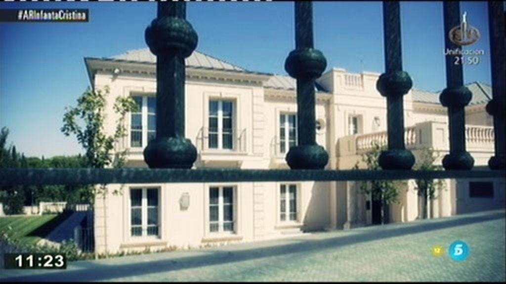 La polémica decoración de la casa de Corinna: Mármol y muebles de patrimonio