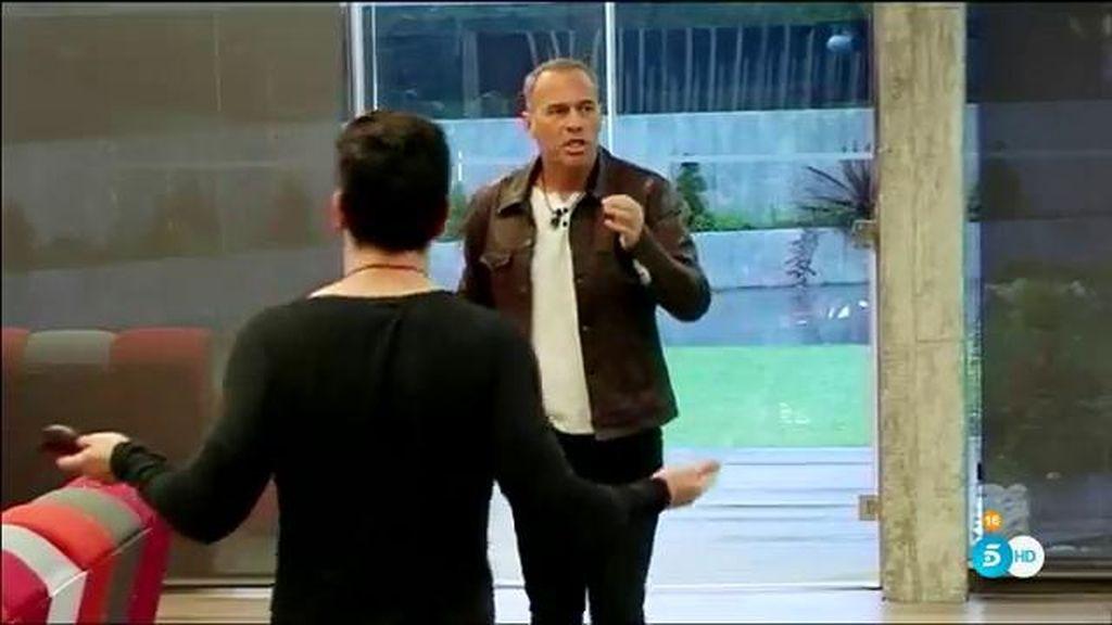 """Carlos desata la ira de Alejandro: """"Estás mosqueado contigo mismo y con tu vida"""""""