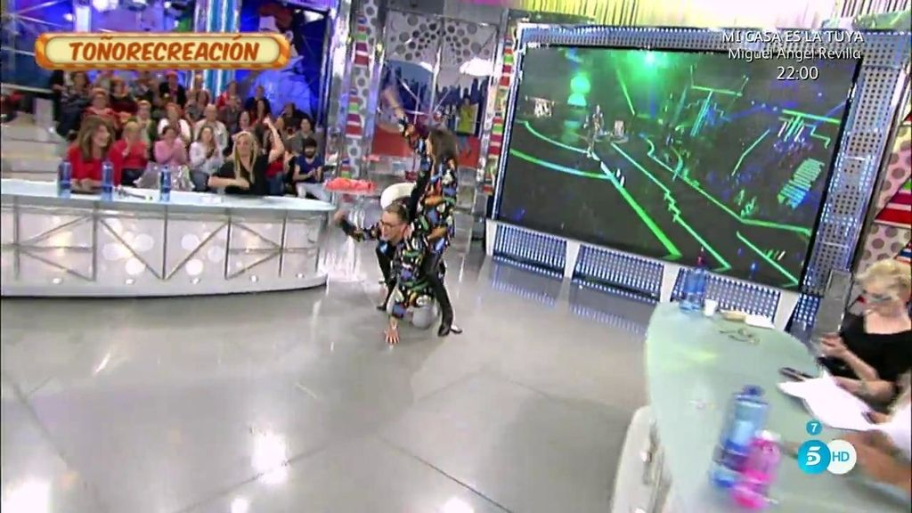Kiko Hernández y Paz Padilla imitan el 'Gangnam Style' de Toño Sanchís