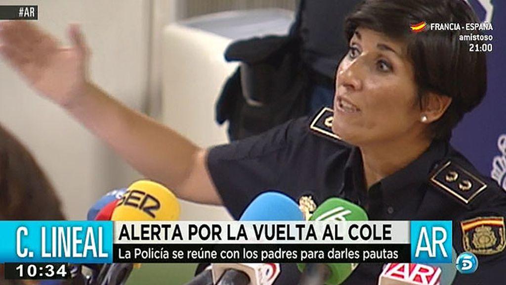 La policía se reúne con los padres de Ciudad Lineal para darles pautas frente al pederasta