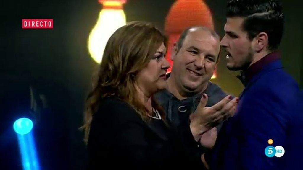 """El padre de Alejandro, en el reencuentro con su hijo: """"Me he enterado de que fumas"""""""