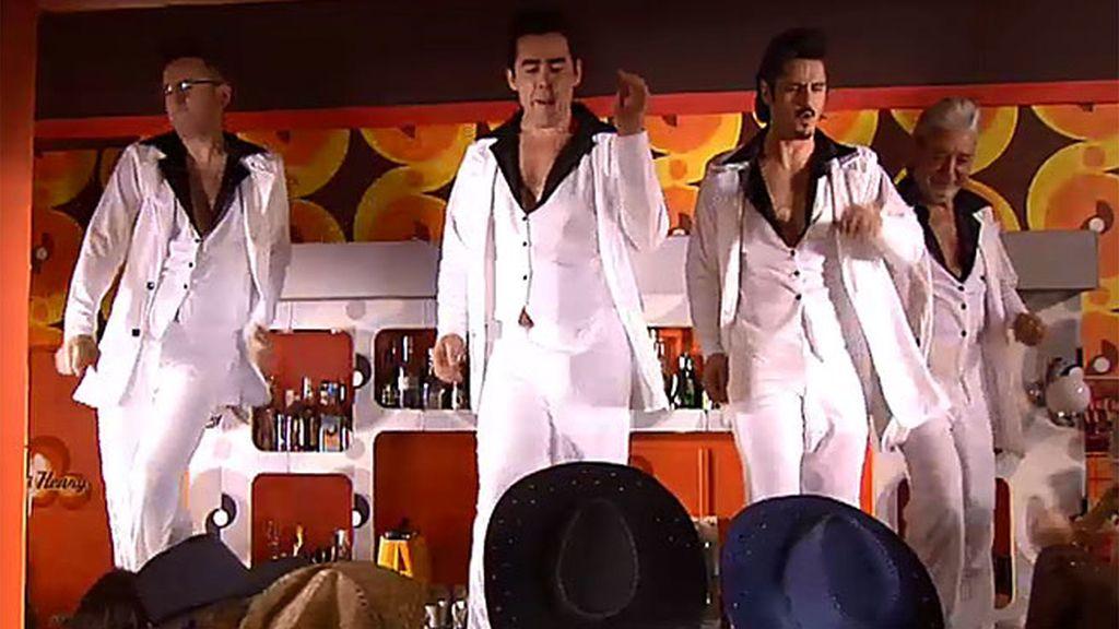 Llega la 'Fiebre del sábado noche' al bar de los Leones