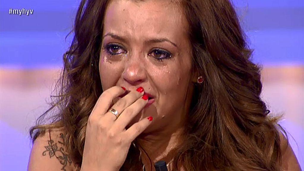 María llora desconsoladamente por Cristian