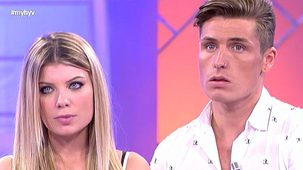 Carolina se queda sin pretendientes y pide una oportunidad a Manu