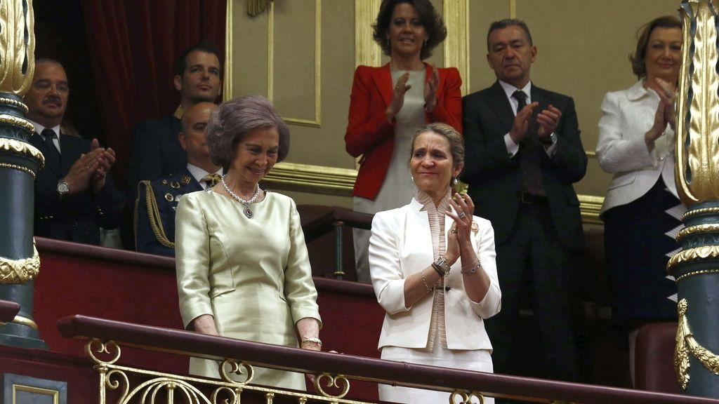 Larga ovación a la reina Sofía