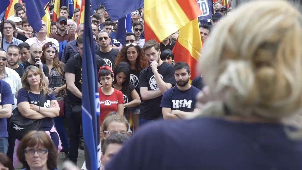 Hogar Social Madrid ofrece ayudas solamente a ciudadanos españoles blancos