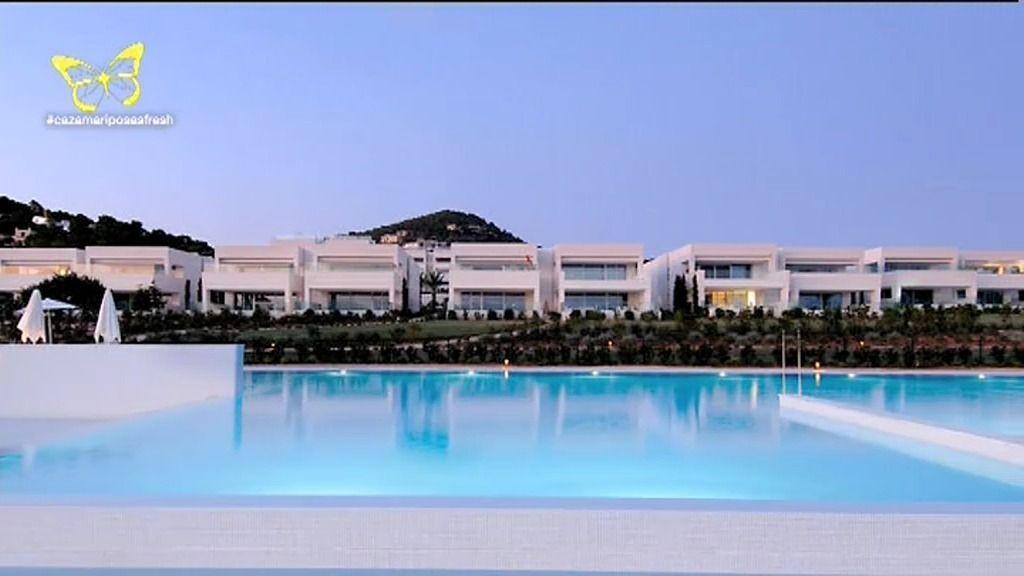 Borja Thyssen y Blanca Cuesta estrenan mansión en Ibiza