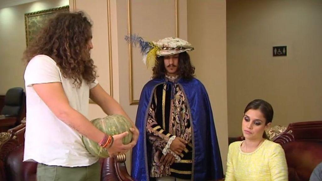 Manu abandona tras presencial el beso de la princesa con Bruno