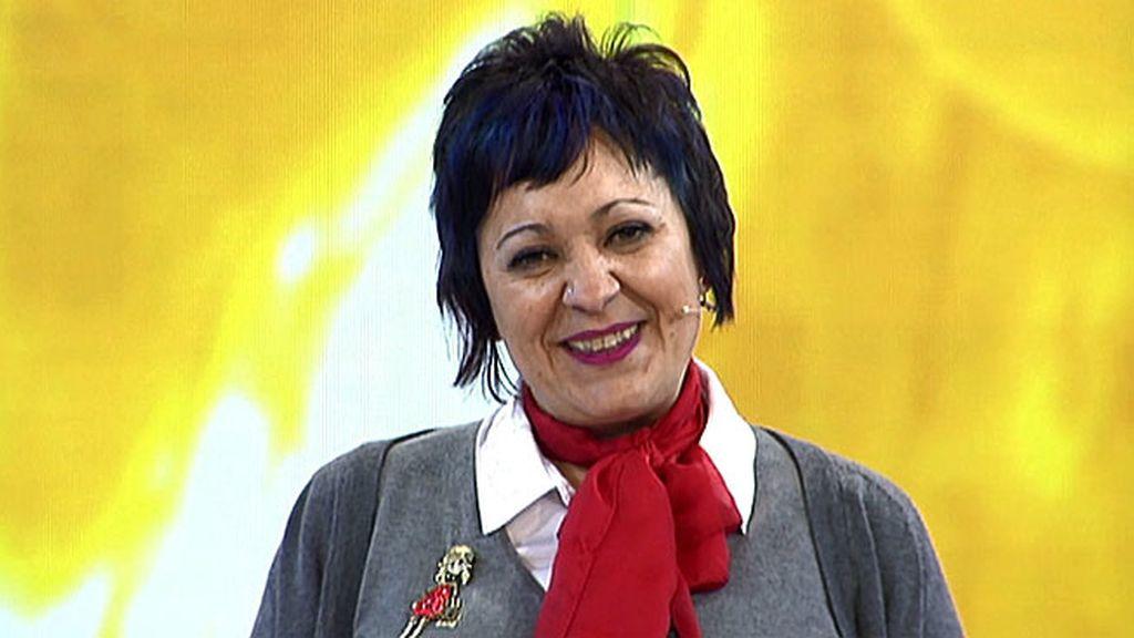 Cristina, una conductora de autobuses con estilo, que reivindica un uniforme femenino