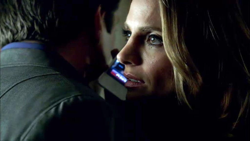 "La forense, a Beckett: ""A Vulcan Simmons le mataron con tu arma"""